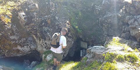 Newton Cave