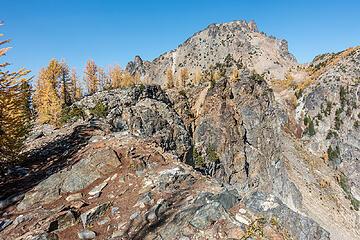 on the ridge to pinnacle