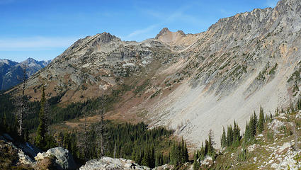 View to the North from Copper Pass, I think the ridge to the right may be the back side of Early Winter Spires