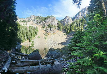 Upper Kendal Peak lake Pano