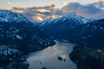 Drone views around Diablo Lake and the end of Highway 20
