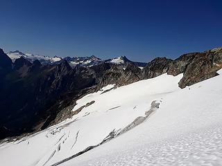 on the traverse to the col, lookin back