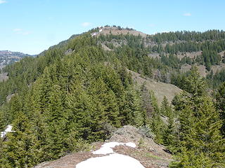 Middle Ridge is a 5621' point between Saddle Butte and Driveway Ridge.