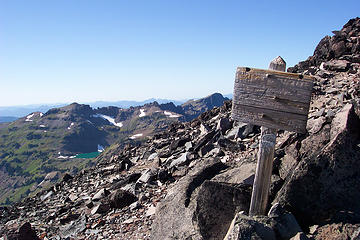Blank sign near top of Pacific Crest Trail high route on Old Snowy Mountain in the Goat Rocks Wilderness in Washington State.