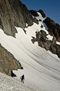 The traverse around the N Peak of Chimney Rock.