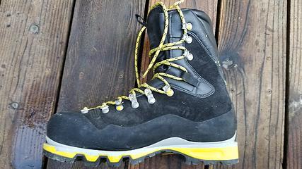 left boot side